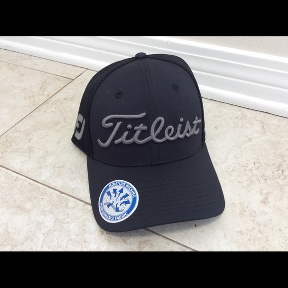 21c394d8b00 Titleist Pro V1 Golf Cap Sz ML